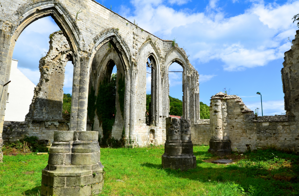 Ablain_Saint_Nazaire_church_in_ruins_2