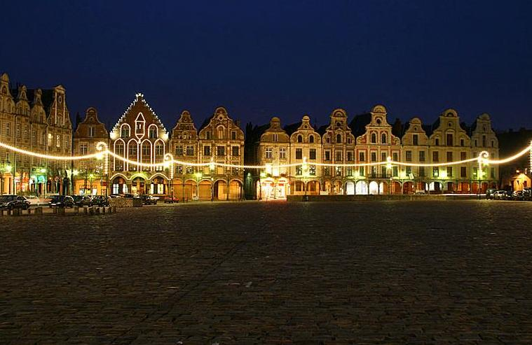 arras france tourism guide the grand place and the place des h ros in arras famous squares. Black Bedroom Furniture Sets. Home Design Ideas