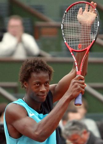 Gaël Monfils reaches French Open semi-finals