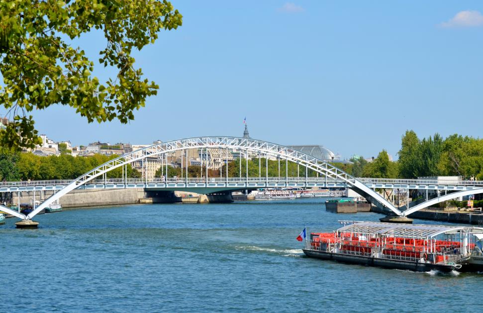 River_Seine_Paris_France