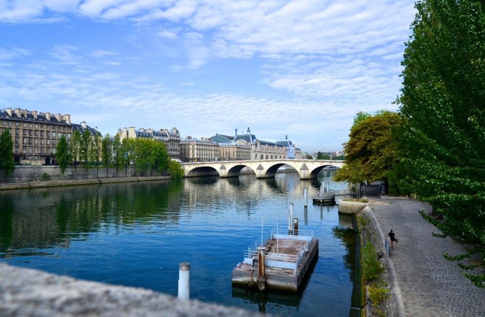 River_Seine_Paris