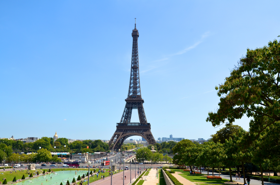 Paris_and_Eiffel_Tower