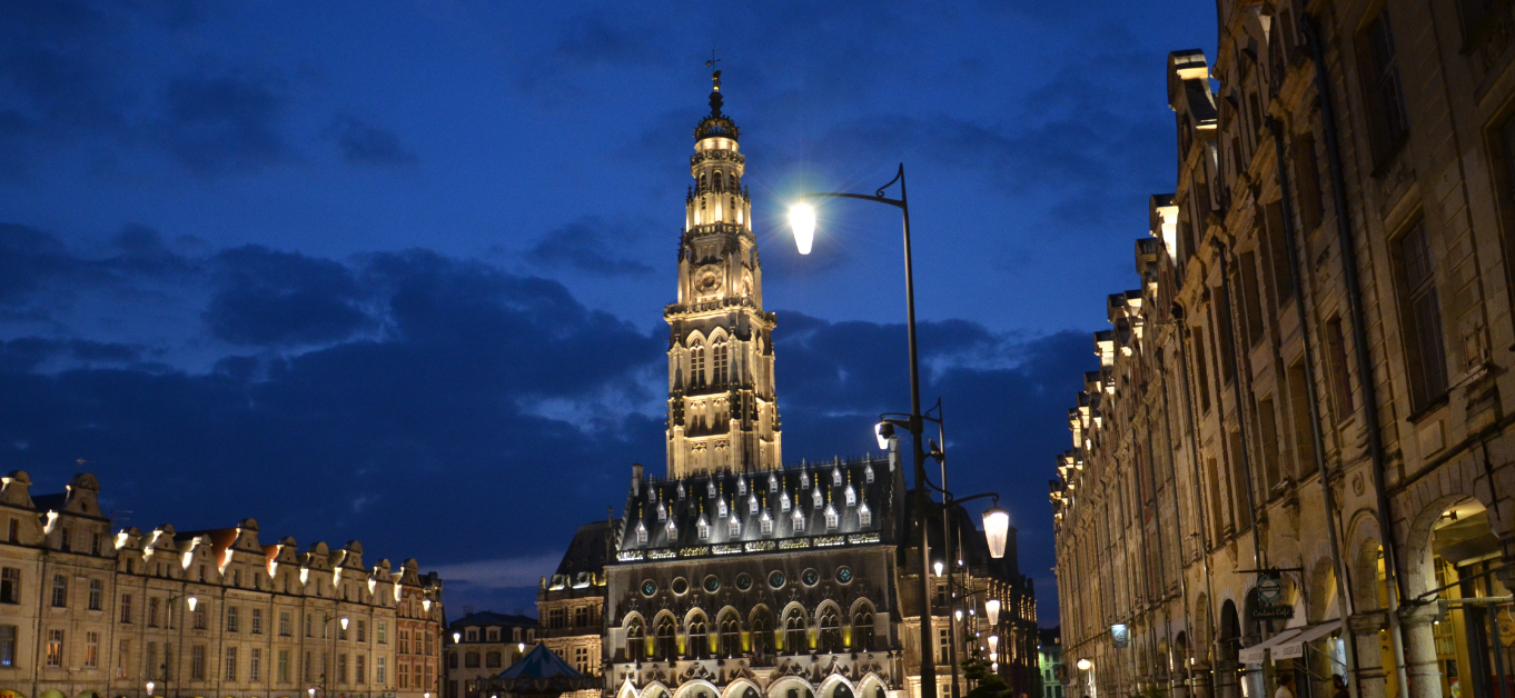 Arras_Petite_Place_and_belfry