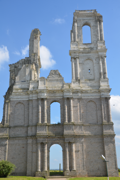 Mont_Saint_Eloi_Abbey