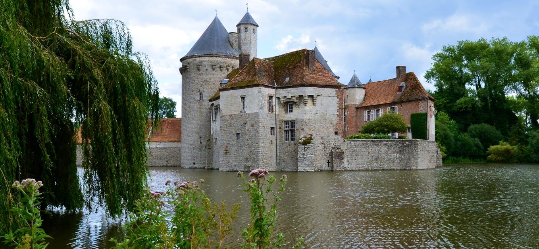Olhain_Castle_near_Arras_France