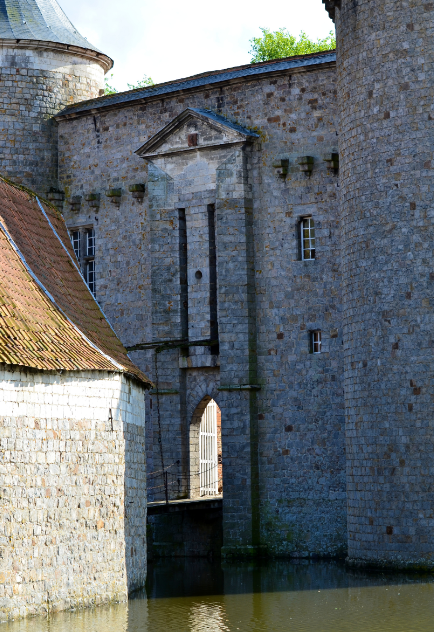 Olhain_castle_drawbridge