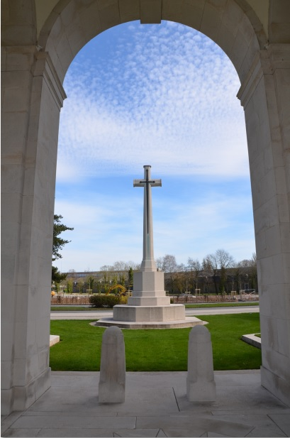 Arras_Memorial_cross_2
