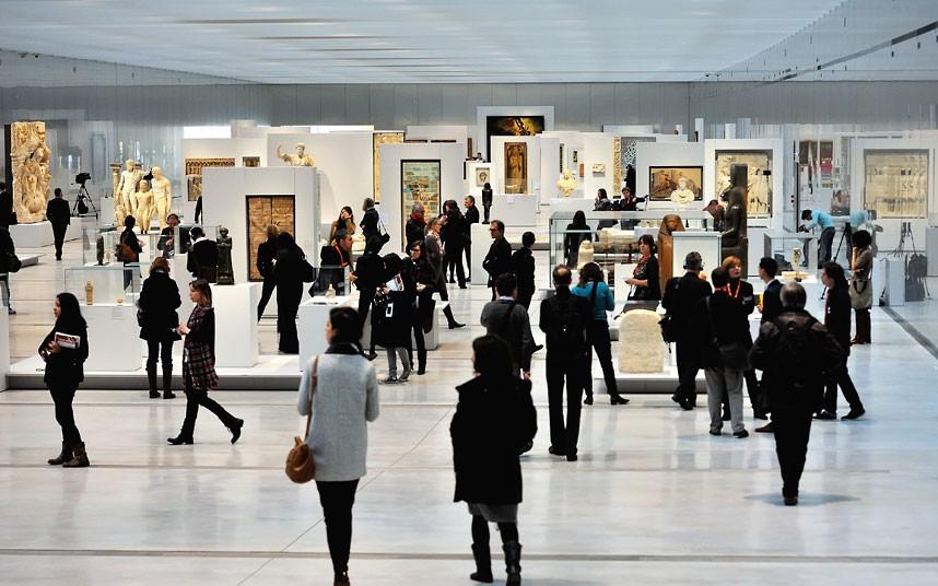 Louvre_Lens_Museum_interior