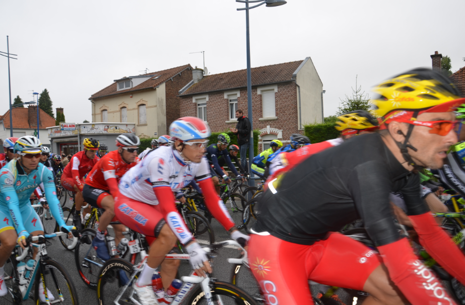 Tour_de_France_July_2014_Arras_cyclists