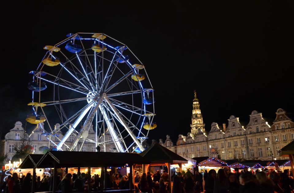 Grande_roue_marché_de_Noel__Arras_2014