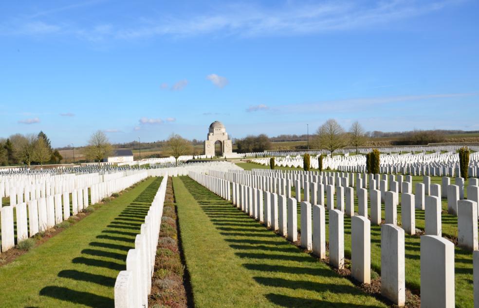 Cabaret_Rouge_British_cemetery