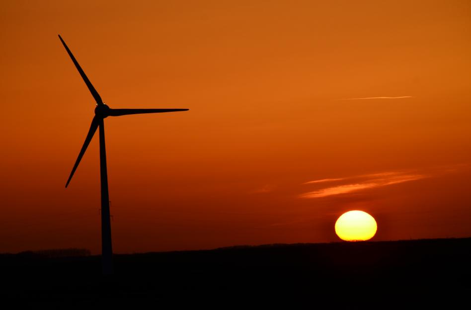 Sunset_over_Arras_April_2015